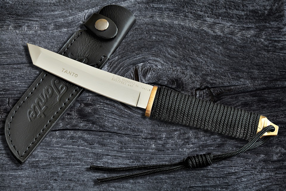 Knife, Tanto, Sharp, Weapon, Wooden Board, Blade