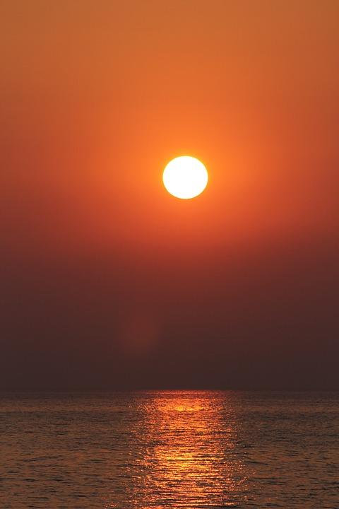 West, The Sun, Krynica