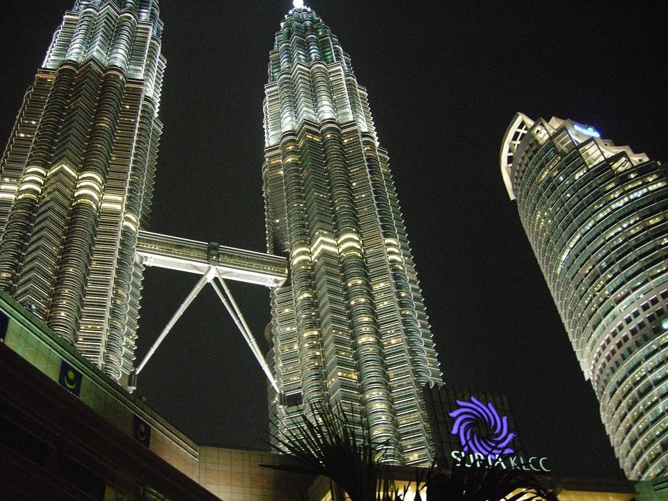 Malaysia, Kuala Lumpur, Pooria Asteraky, Night Klcc