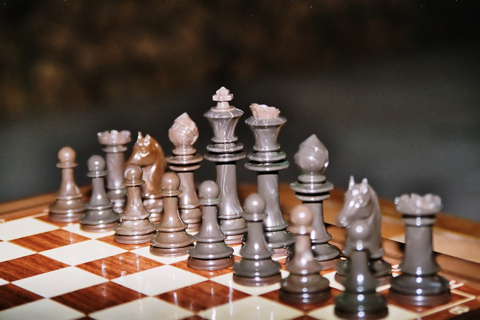 Chess, Play, Chess Board, King, Chess Pieces, Lady
