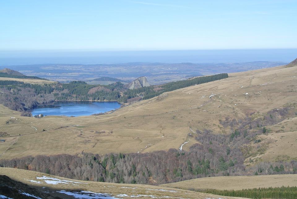 Auvergne, Lake, Gonzalez