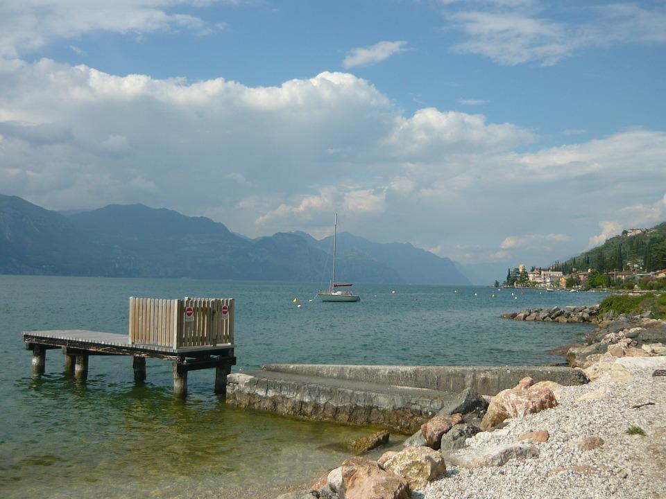 Italy, Italian, Lake Garda, Plot