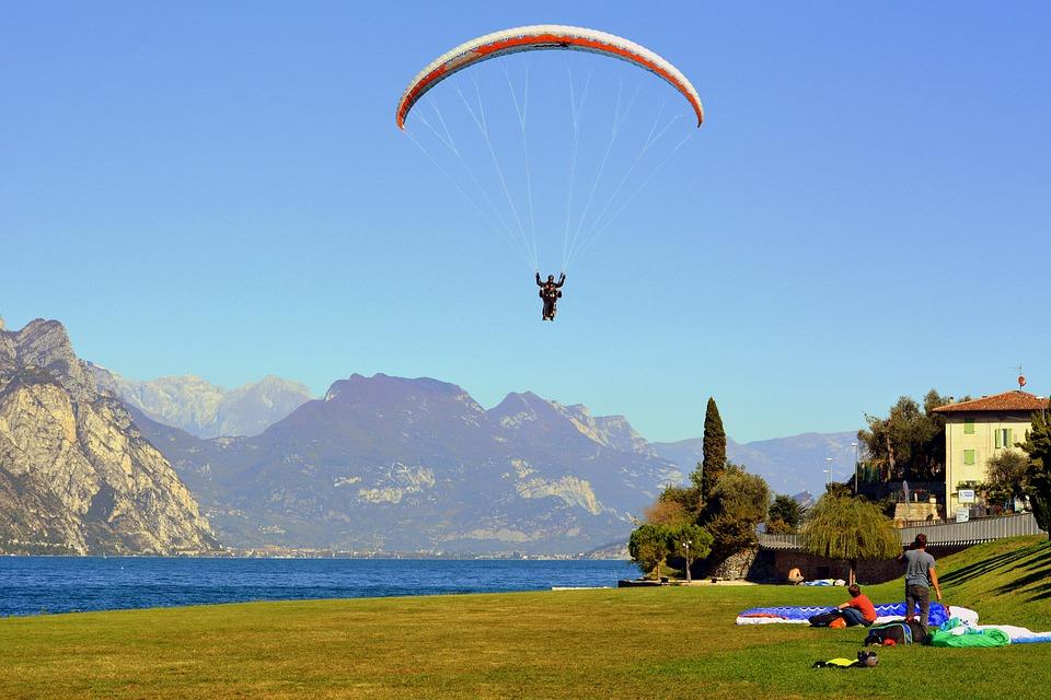 Paragliding, Landing, Tandem, Prato, Lake, Arrival, Fly