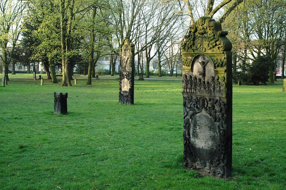 The Tombstones, Pieta, Hanover, Lawn, Green, Trees