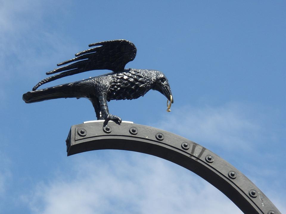 Budapest, Legend, Raven