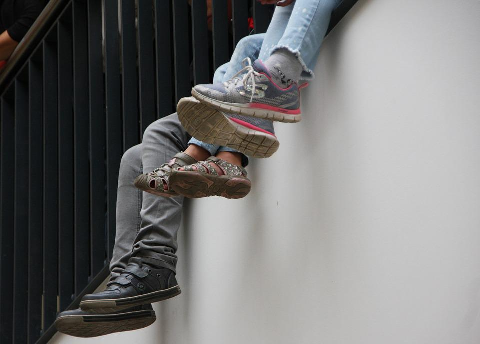 Shoes, Feet, Legs, Dangle, Sneaker, Young People