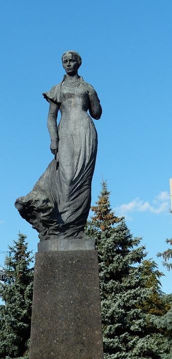 Lesya Ukrayinka, Lesya Ukrainka, The Poet, Monument