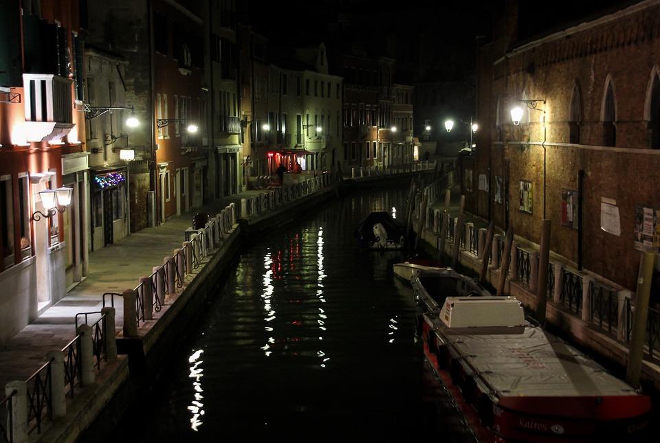 Channel, Boot, Homes, Night, Light, Romantic