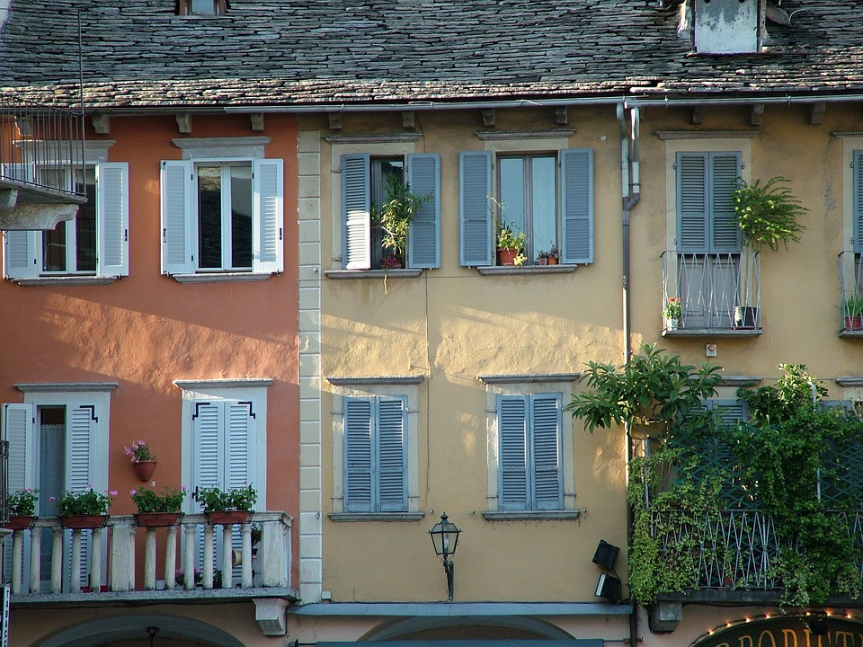 Italy, Domodossola, Window, Facade, Light, Shadow