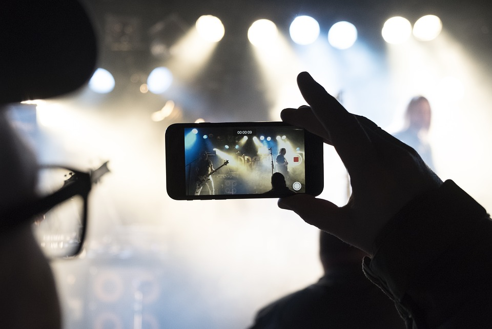 Concert, Rock Band, Singing, Cellphone, Crowd, Lights