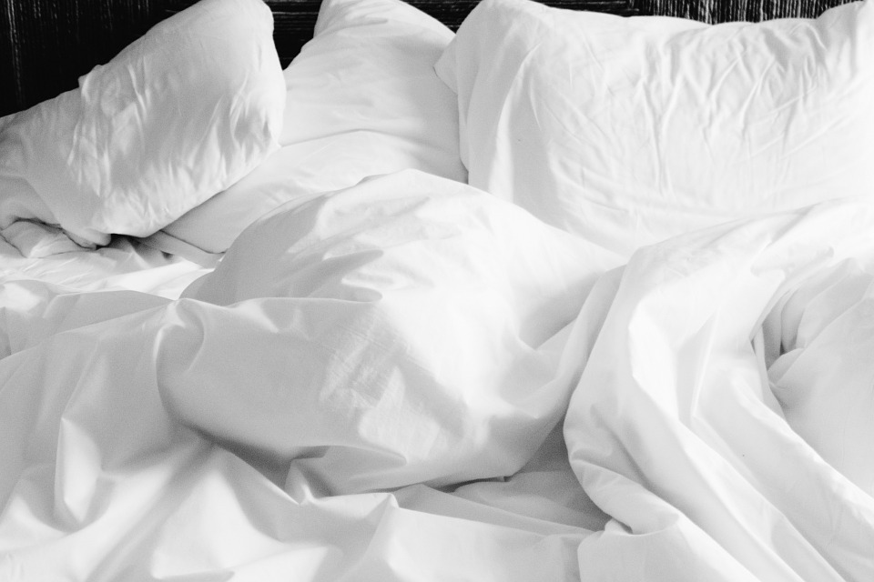 Pillows, Linen, Sheets, Bed, White, Home, Comfortable