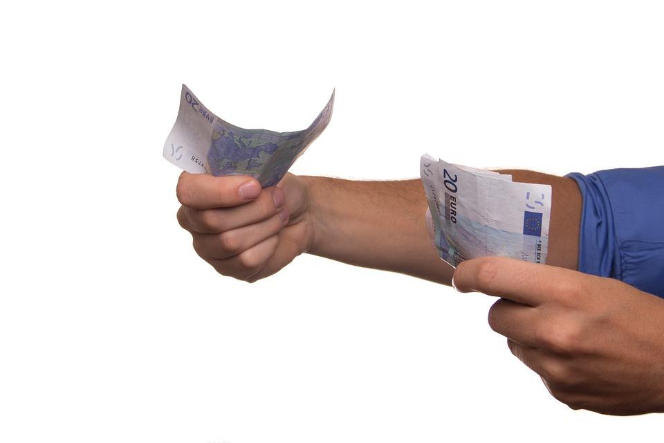 Loan-Pay-Money-Borrowing-Euro-Cash-Lendi
