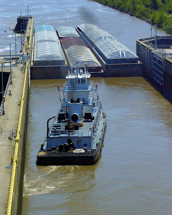 Tug And Barges In Murray Lock, Barges, Lock, Tug