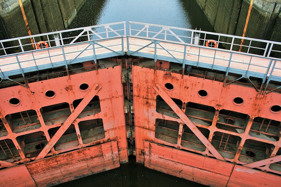 Watergate, Lock, Water Canal, Canal, Heavy, Rusty