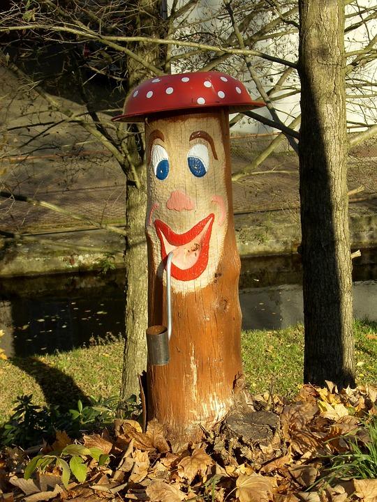Tree, Log, Wood, Face, Painted, Hat, Ashtray