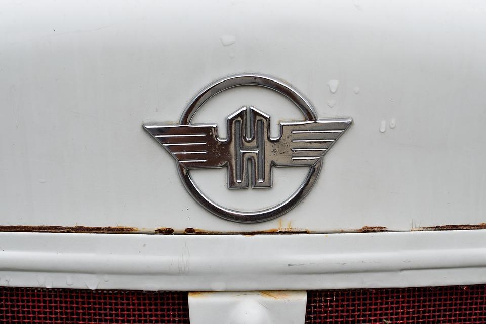 Logo, White, Rusty