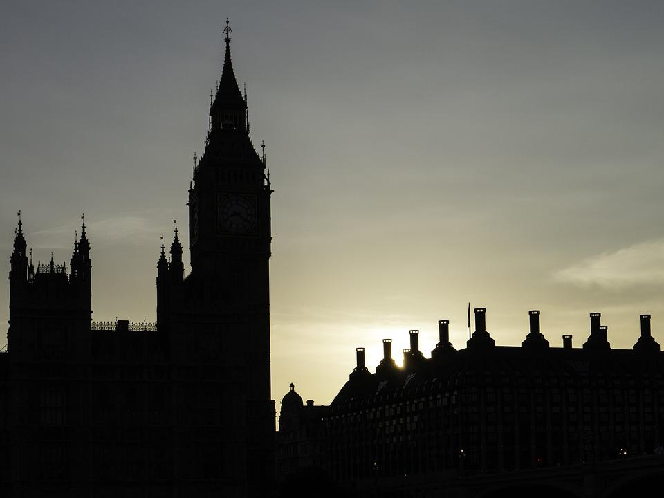 Big Ben, London, Back Light, Chimneys