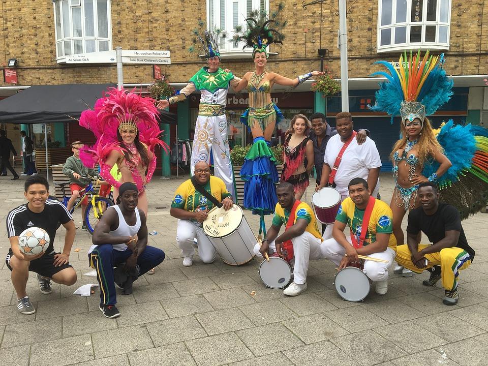 Carnival, London, Crisp Street Market, Stilts, Juggling