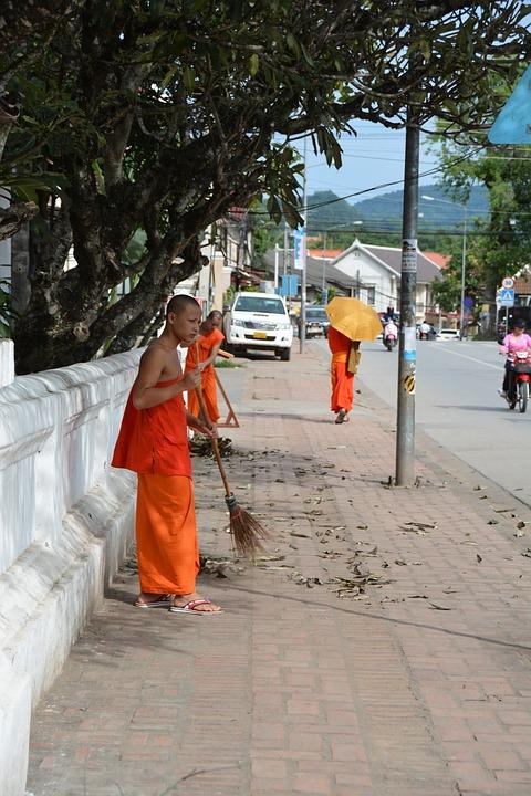 Laos, Luang Prabang, Monks