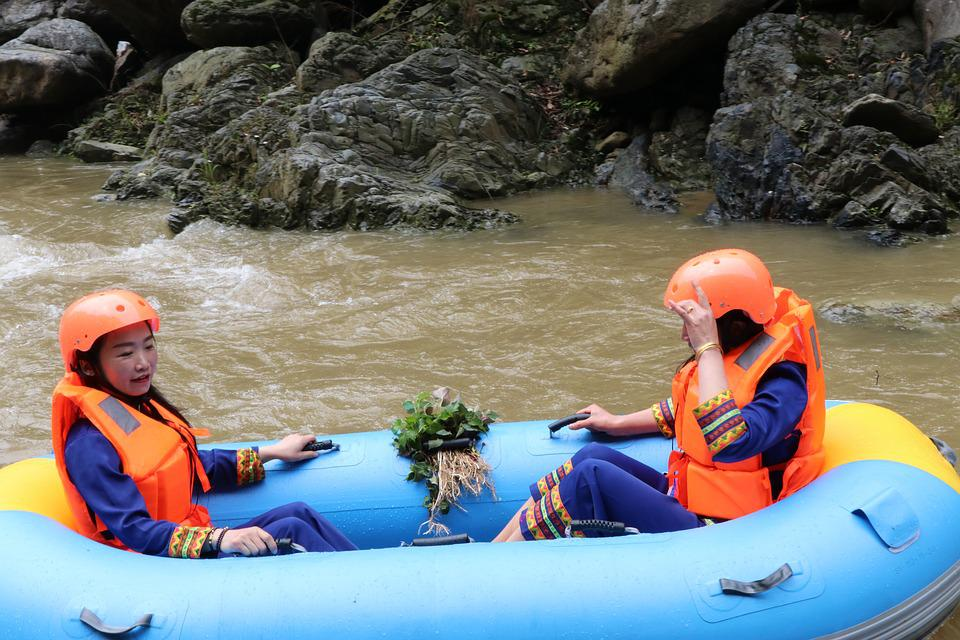 Luo Creek National Forest Park, Lofty Rock Eco-rafting
