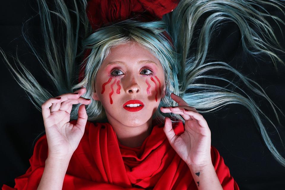 Lyzz Hana, Cry, Sadness, Art, Painted Face, Hair Color