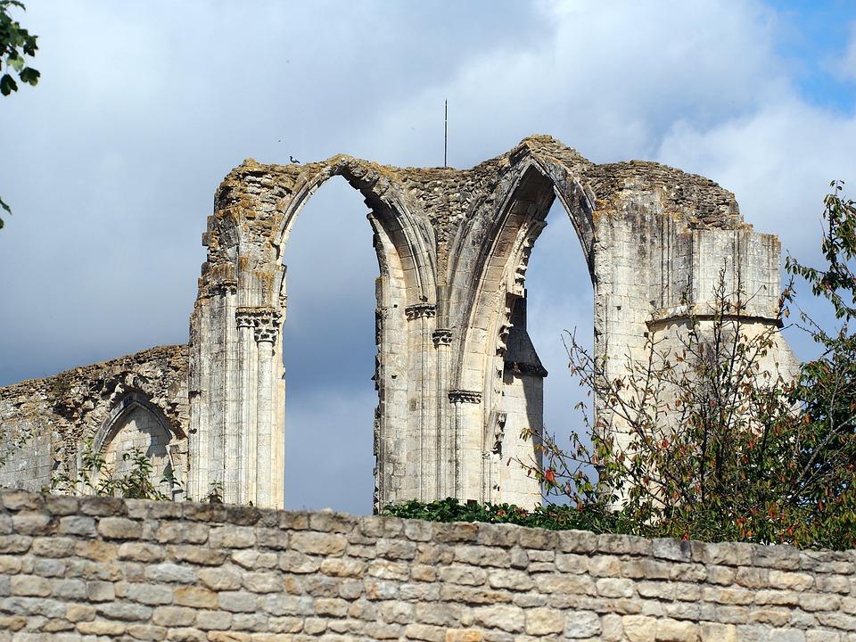 Maillezais Cathedral, St Peter Maillezais, Ruin