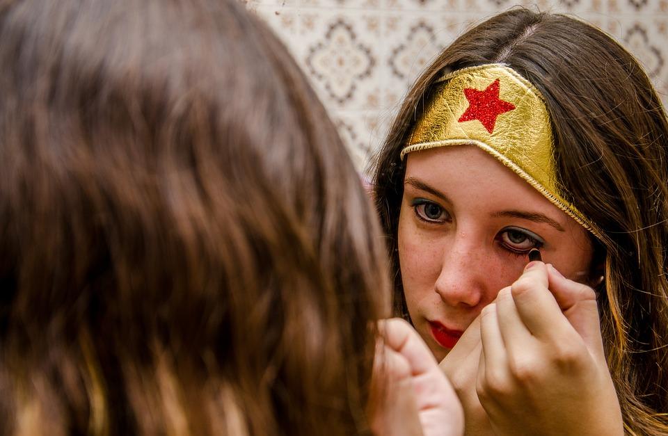 Makeup, Woman, Mirror, Wonder Woman, Girl, Feeling