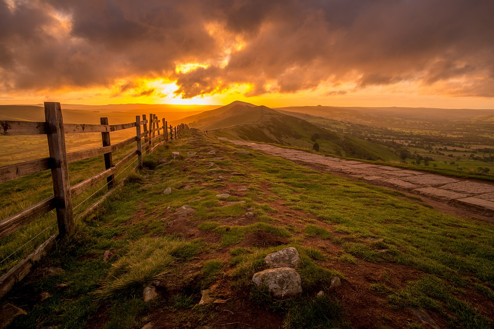 Mam Tor, Ridge, Peak District, Derbyshire, Wooden Fence