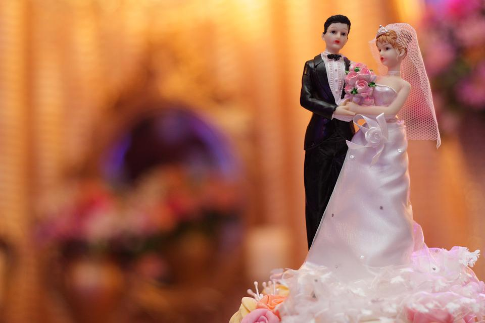 Top Of Cake, Marriage, Bride, Groom, Toys