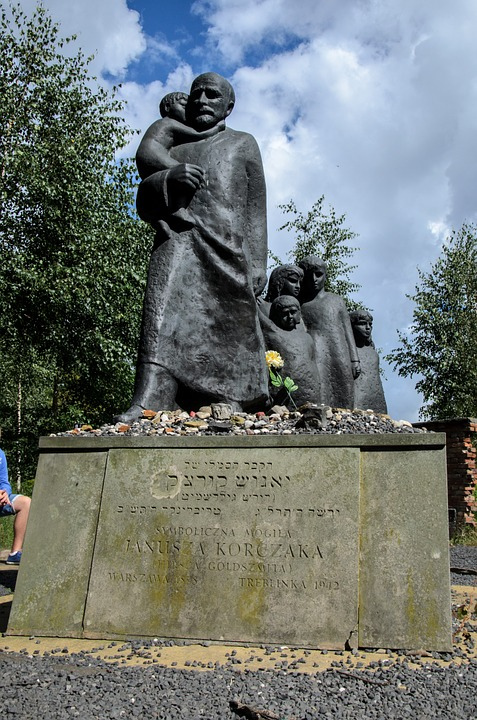 Janusz Korczak, Grave, Warsaw, Statue, Mermorial