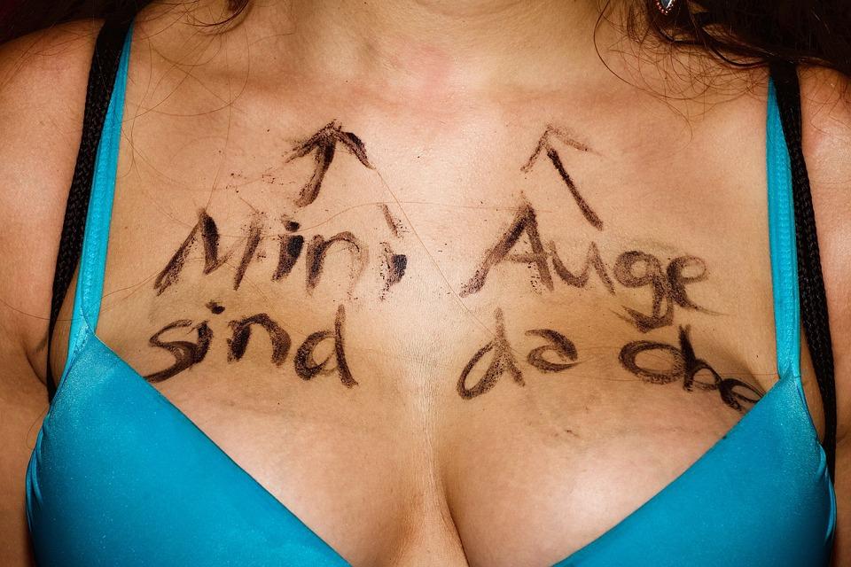 Human, Woman, Section, Bikini, Embassy, Message, Prompt