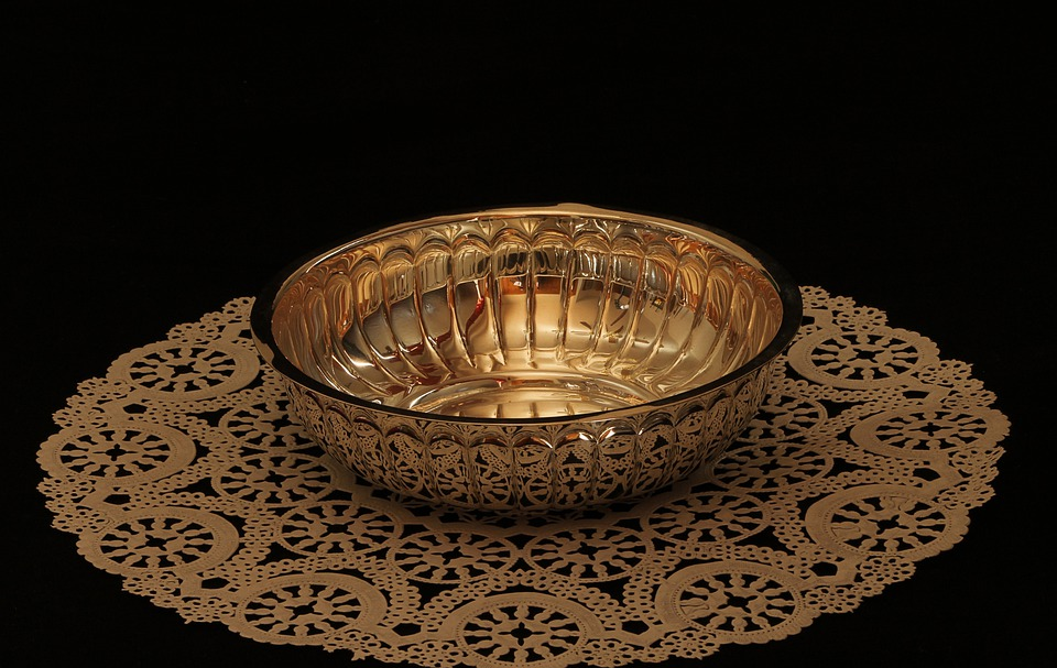 Bowl, Metal, Silver, Candy Dish, Doily, Reflection