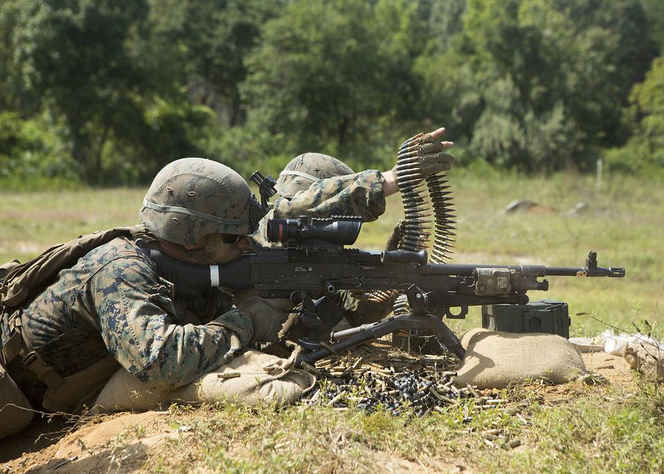 Free photo Military Marines Machine Gun Training Lmg