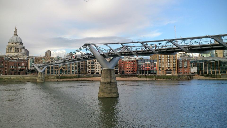London, Millennium Bridge, St Paul, Thames, England
