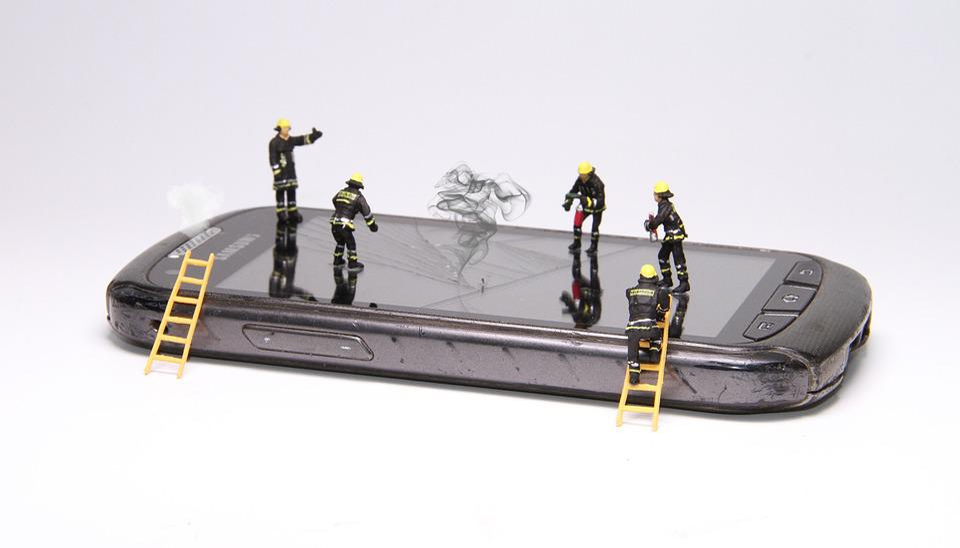 Smartphone, Fire, Miniature Figures, Repair, Brand