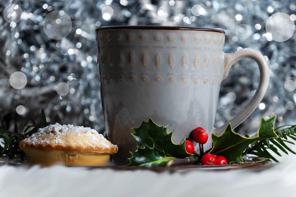 Mince Pie, Cup, Mistletoe, Drink, Beverage, Snack