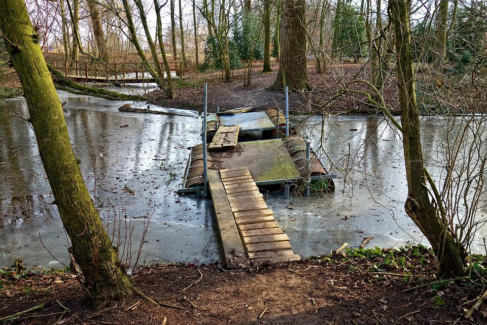 Island, Pontoon, Oil Drum, Bridge, Crossing, Moat