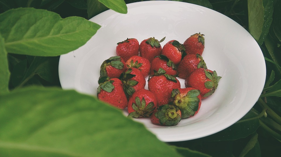 Strawberry, Moments, Green