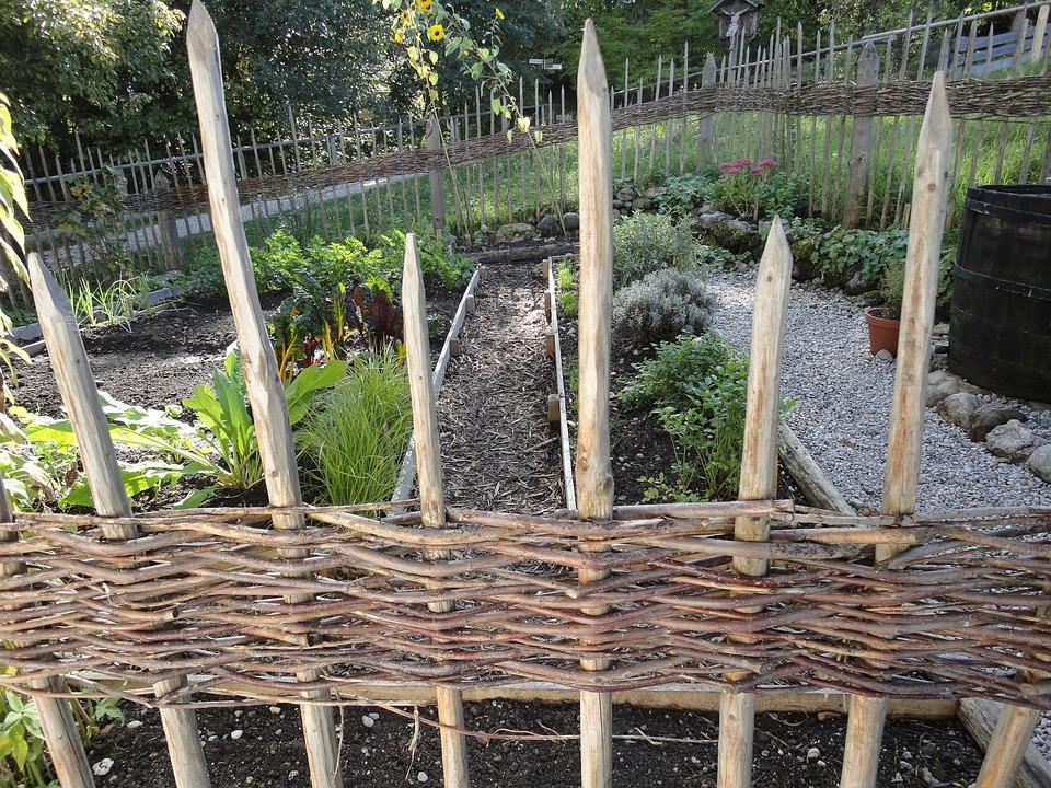 Merveilleux Fence, Builders Fence, Herb Garden, Monastery Garden
