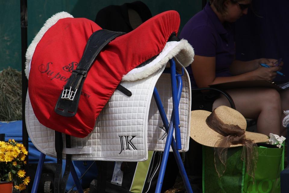 English Saddle, Horse Show, Tack, Monogram