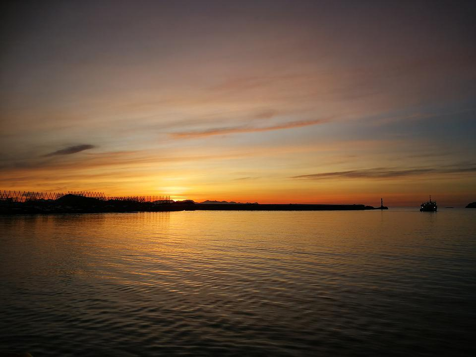 Sunrise, The Dawn Family, Monolithic Part Of The Waters