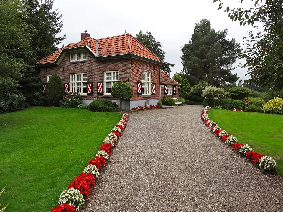 Lochemseweg, Huis Diepenheim, Netherlands, Monument
