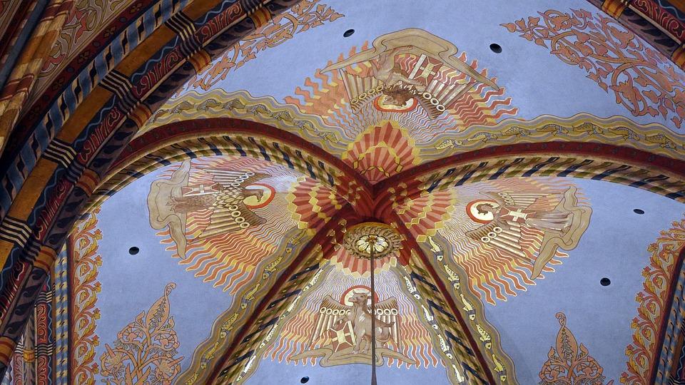 Matthias Church, Ceiling, Murals, Monument