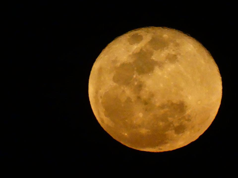 Rising Moon, Yellow Moon, Moonlight