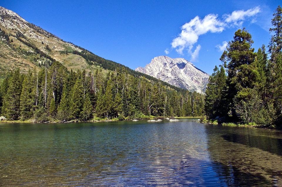 Teton's String Lake, Mountains
