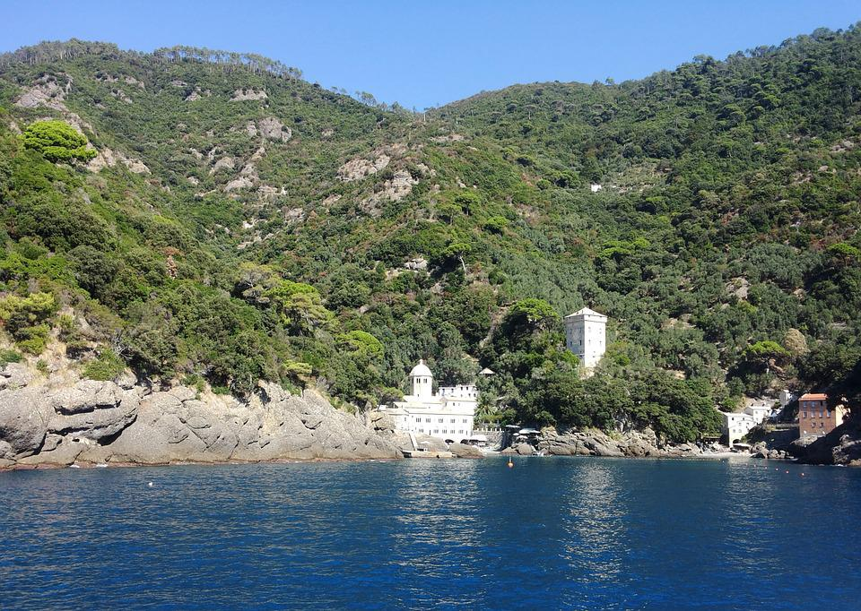 San Fruttuoso, Park, Mountains, Cliffs, Water, Lake