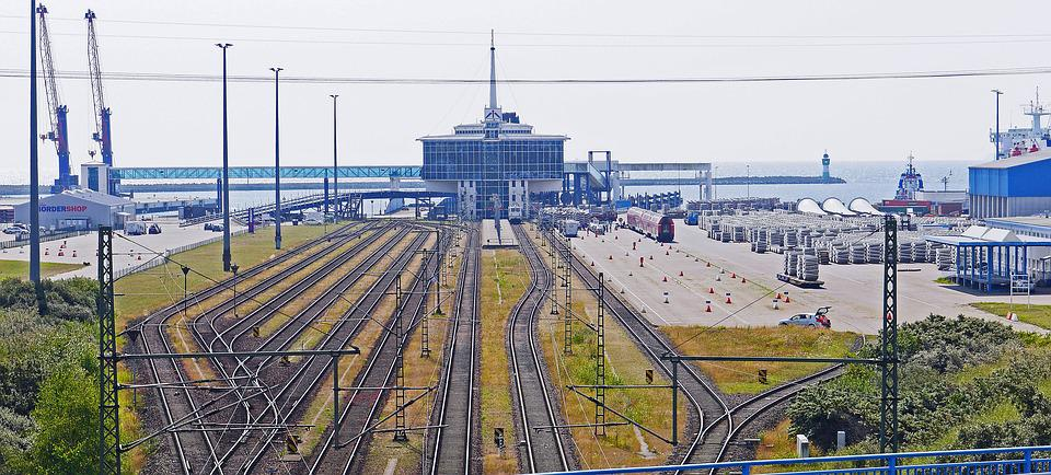 Rügen, Sassnitz, Mukran, Fährbahnhof, Terminal
