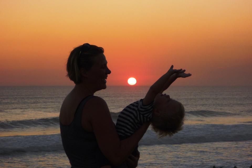 Sunset, Mum, Mother, Child, Love, Hub, Surf, Beach