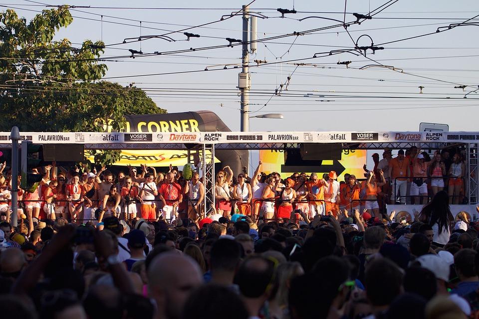 Human, Street Parade, Bandwagon, Festival, Music, Dance