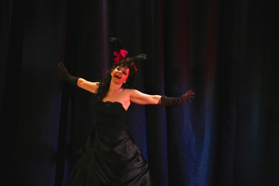 Opertka, Music, Woman
